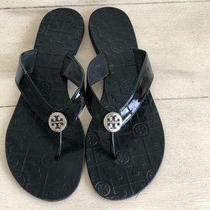 9e108f6e82f8 Tory Burch Shoes - EUC Tory Burch Thora Patent Leather Flip Flops 11M